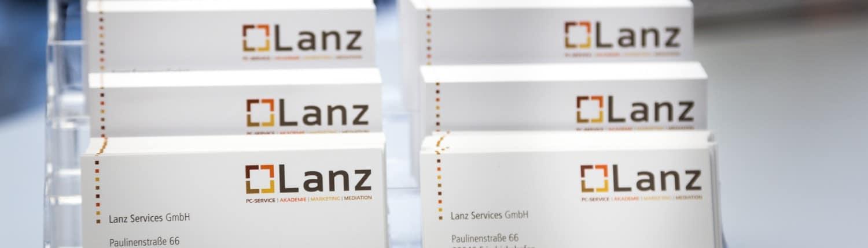 Unsere Visitenkarten der Lanz Services GmbH für Sie zur Hand