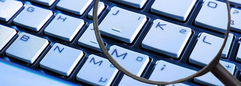 Lupe auf Tastatur